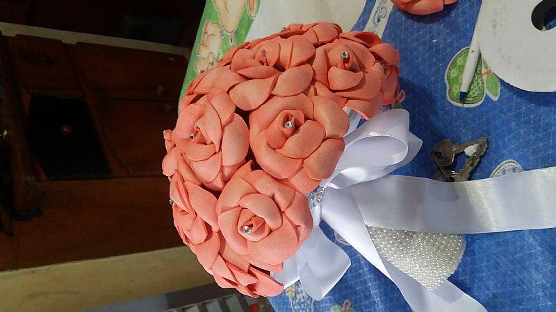 Buque  de flores de eva