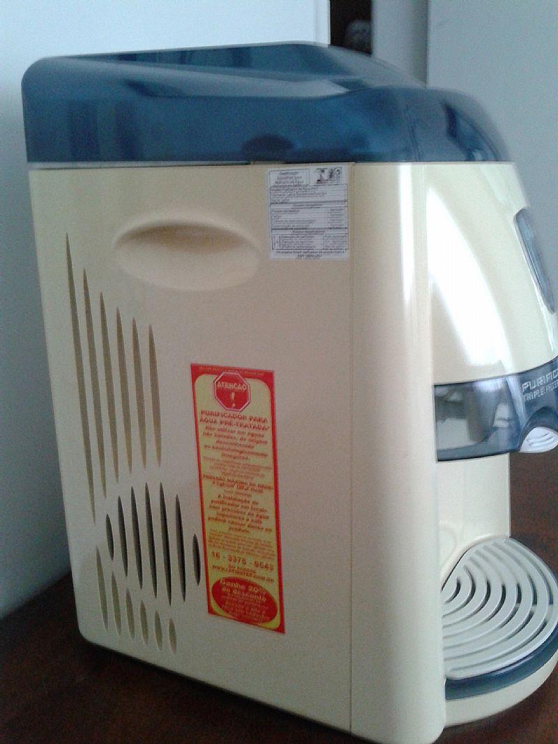 Purificador e Refrigerador Comercial Latina