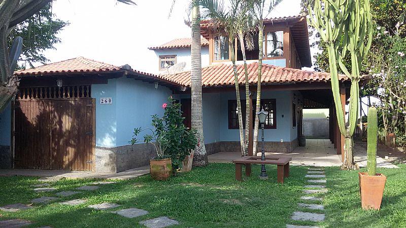 Casa maravilhosa em Barra de Sao Joao - vendo ou permuto