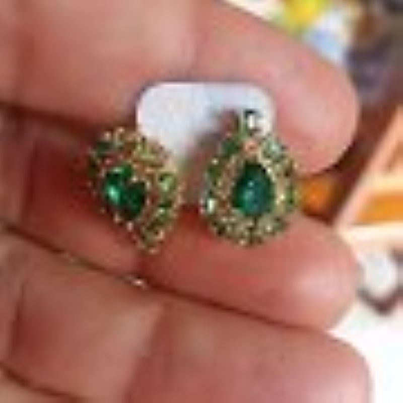 Brincos Cristais Verde Tom Esmeralda Folheado A Ouro 18k
