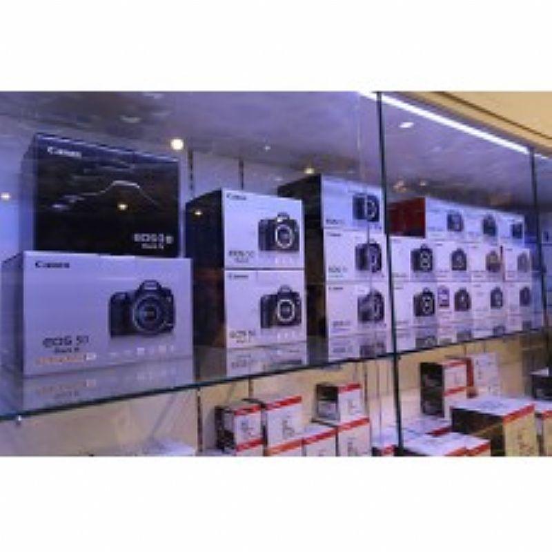 Canon EOS 5D Mark II 22.3MP DSLR Camera (w/ 24-105mm) Lens Kit