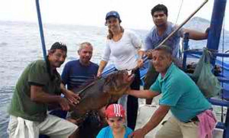Barco para pescaria e passeio rj