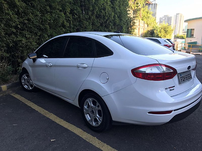 New fiesta sedan power shift - unico dono