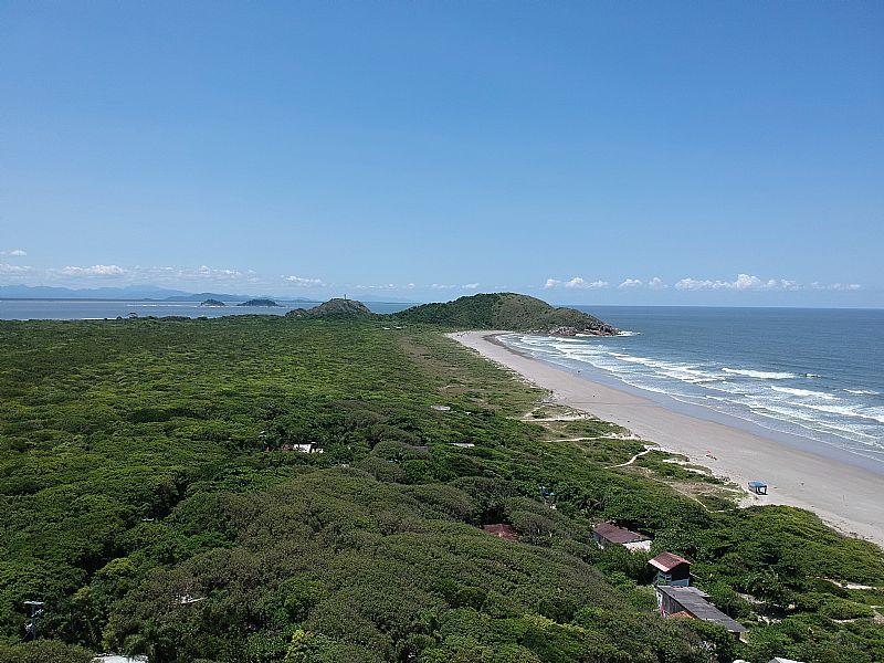 Ilha do mel /chalé p/ate 6 pessoas