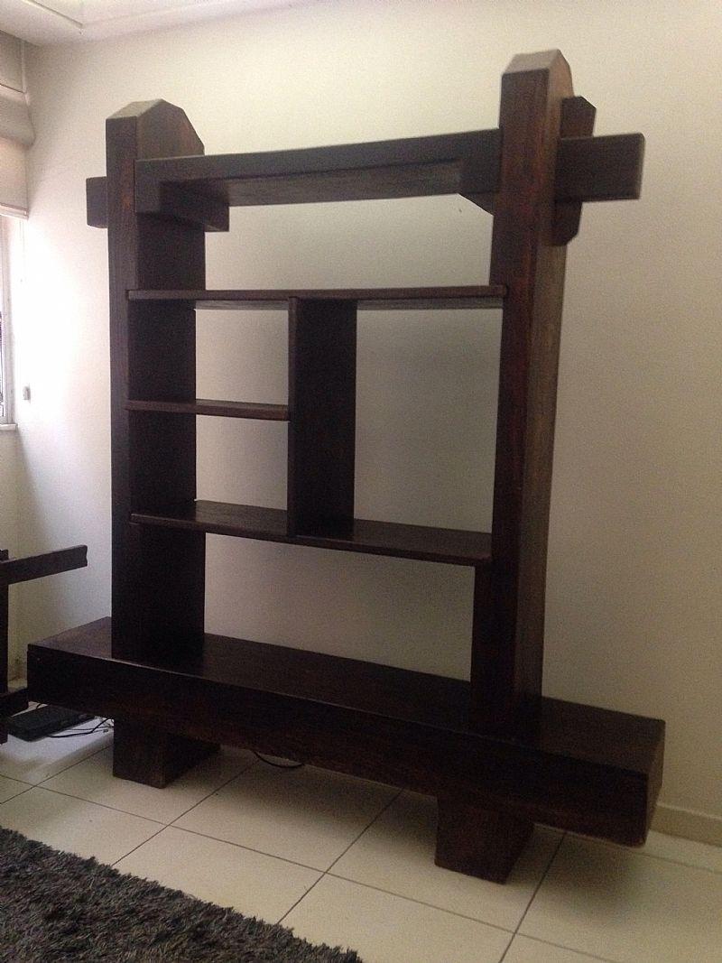 Divisoria estante em madeira macica