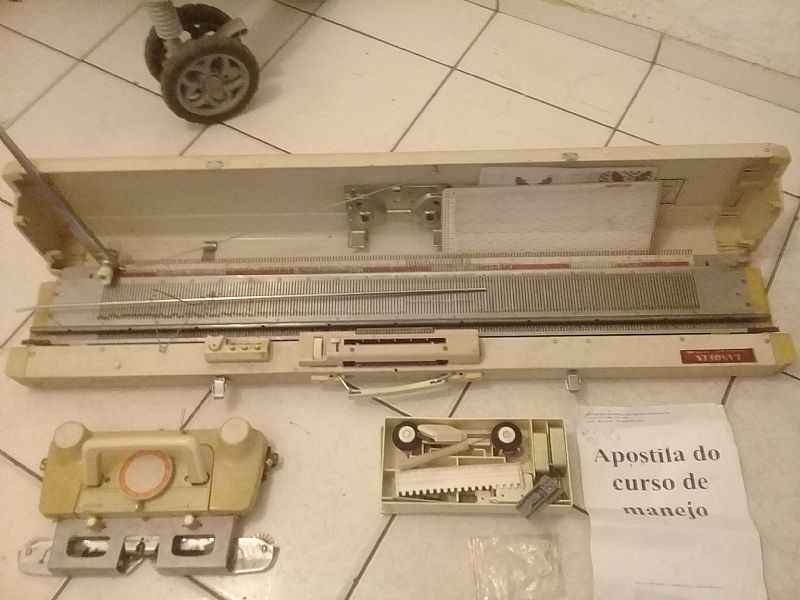 Maquina de trico lanofix mod.323 completa