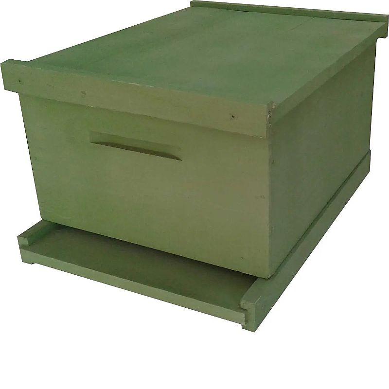 Caixa de abelha - ninho 24 cm pinus com pintura       marca beethoven agropet     modelo caixa langstroth