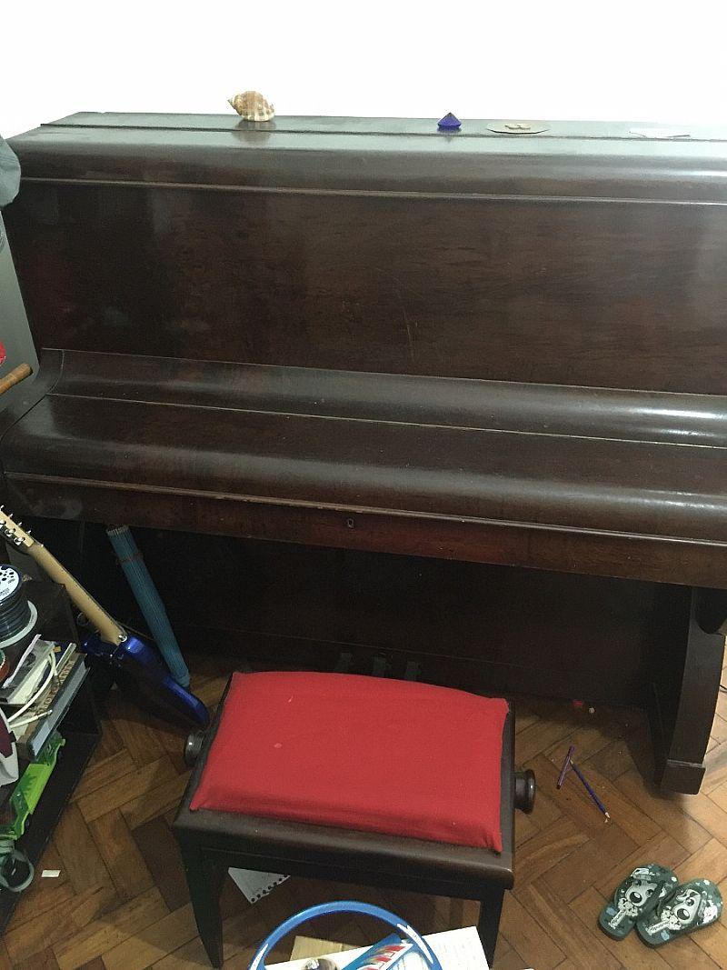 Piano De Parede Lux Com Banqueta
