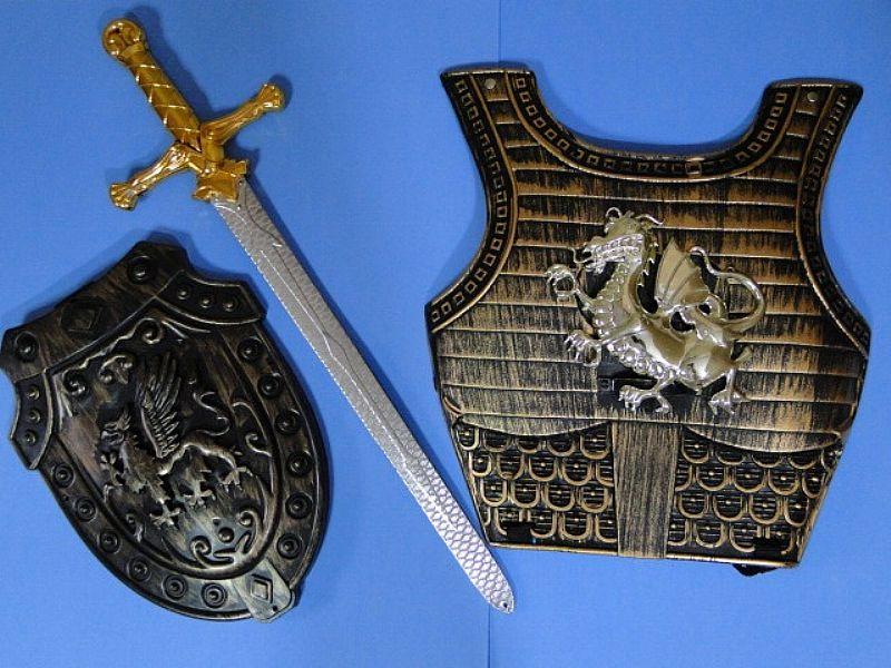 Escudo Peitoral Espada E Capacete Elmo Gladiador Medieval