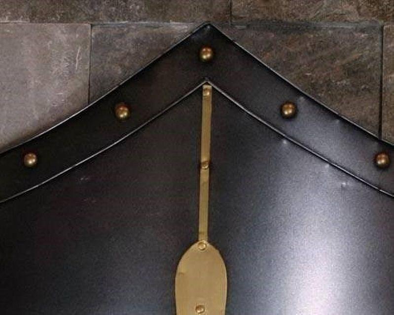 Escudo Com Alabarda Machado Cruzada Medieval Resina Parede