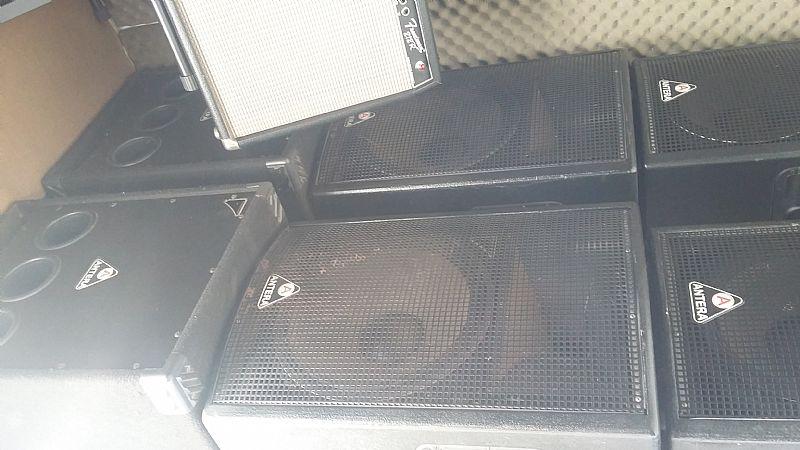 Caixas amplificadas TS 700
