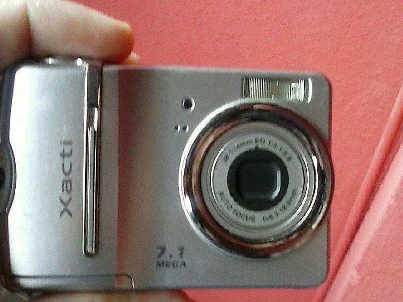 Camera digital sany o xacti s70 7.1 megapixel muito conservada