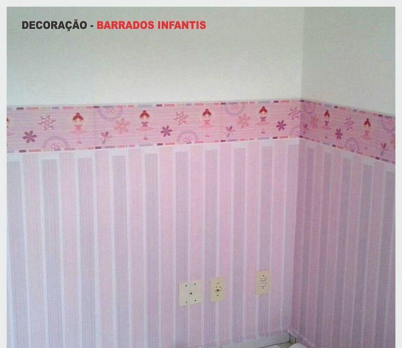 Barrado meia parede adesivo.