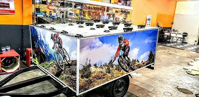 Carretinha adesivada para bikes