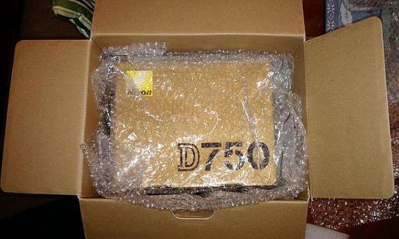 Buy nikon d750 , nikon d810 canon 5d mark iv