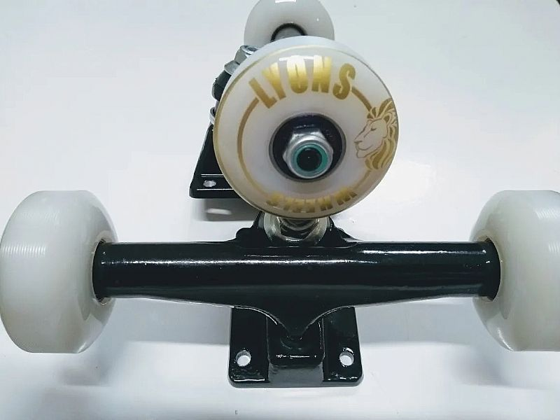 Truck para skate (par) com roda rolamentos e parafusos