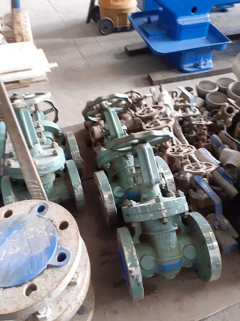 Sucata de aço e ferro velho industrial