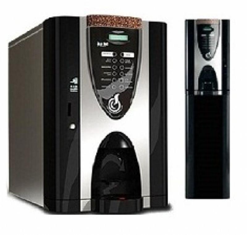 Máquina Café, leite, chocolate e cappucino, que aceita ficha e moeda.