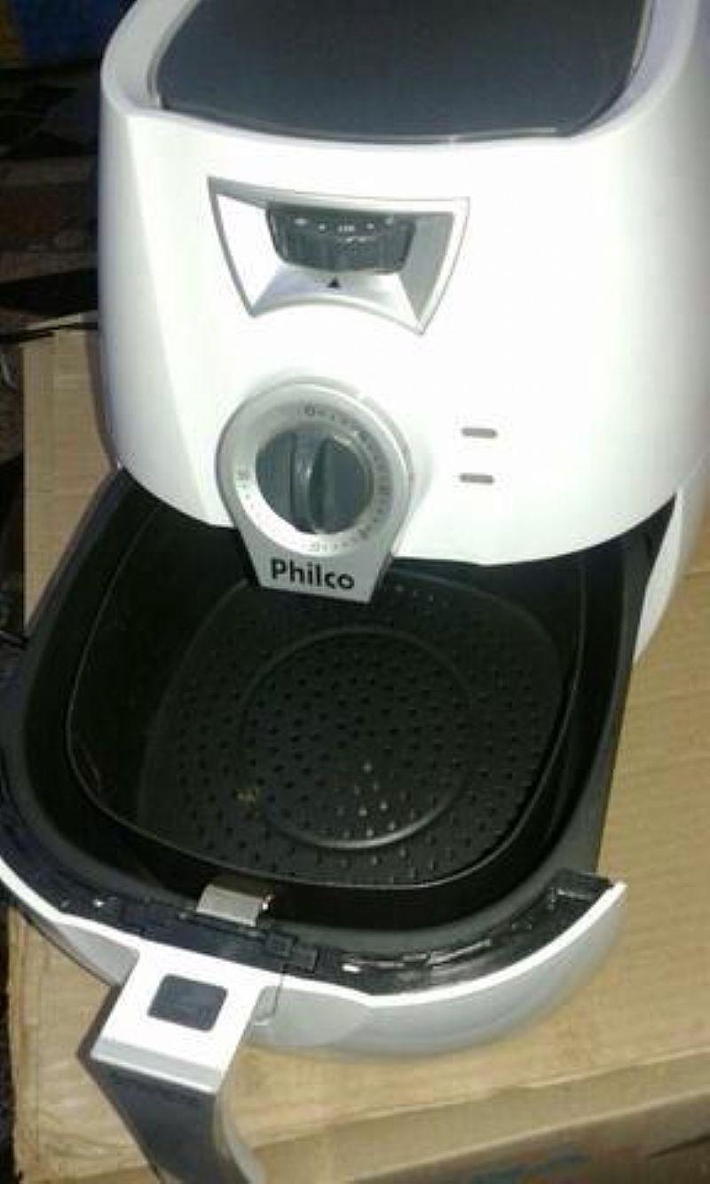 Fritadeira philco usada branca