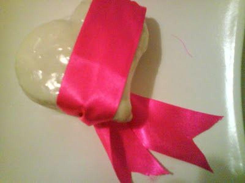 Presente de Pao de Mel recheado em formato de Coracao