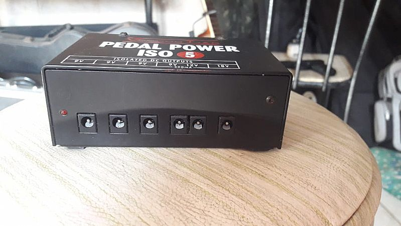 Fonte voodoo lab power supply iso 5 - 220 volts zerada!!!!