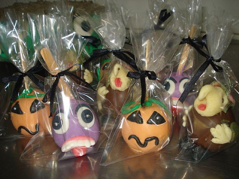 bolos e docinhos personalizado bichinho da floresta pirulito cupcake maca do amor arvore francesa halloween pao de mel