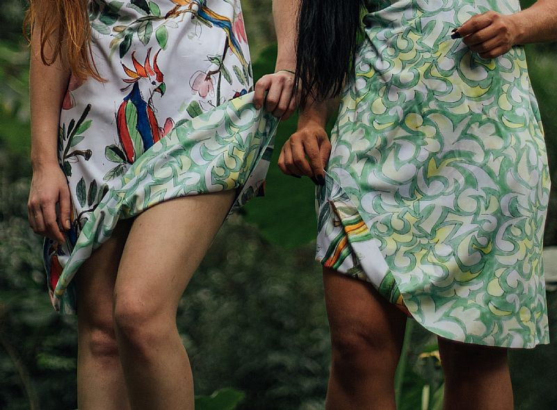 Vendo lote de 70 vestidos dupla face com design exclusivo italiano