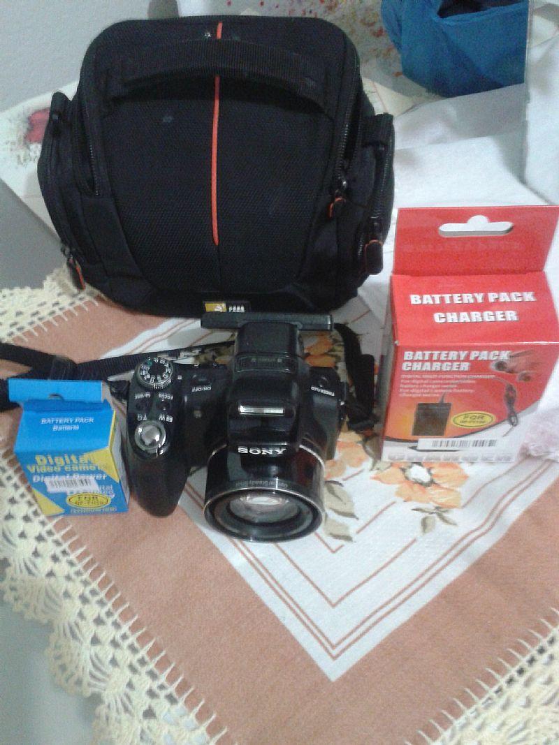 Camera sony hx1 semi nova, preta