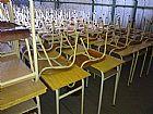 Mesa e cadeira poa