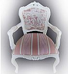Cadeira provencal com entalhes