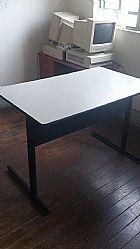Escrivaninha - tampo em laminado cinza