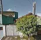casa geminada em praia grande na vila tupi 2 dorms sendo 1 suite.