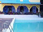 Sitio com 6 quartos e piscina