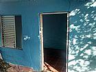 Alugo casa na cavalhada 550, 00 para casal ou pessoa sozinha.