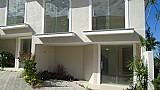 Vendo 8 casas 2 quartos todos com 1 suite em condominio em araruama