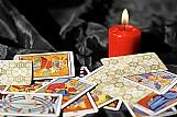 Livro Consulta ao baralho cigano e tarot - cigana dalila - r