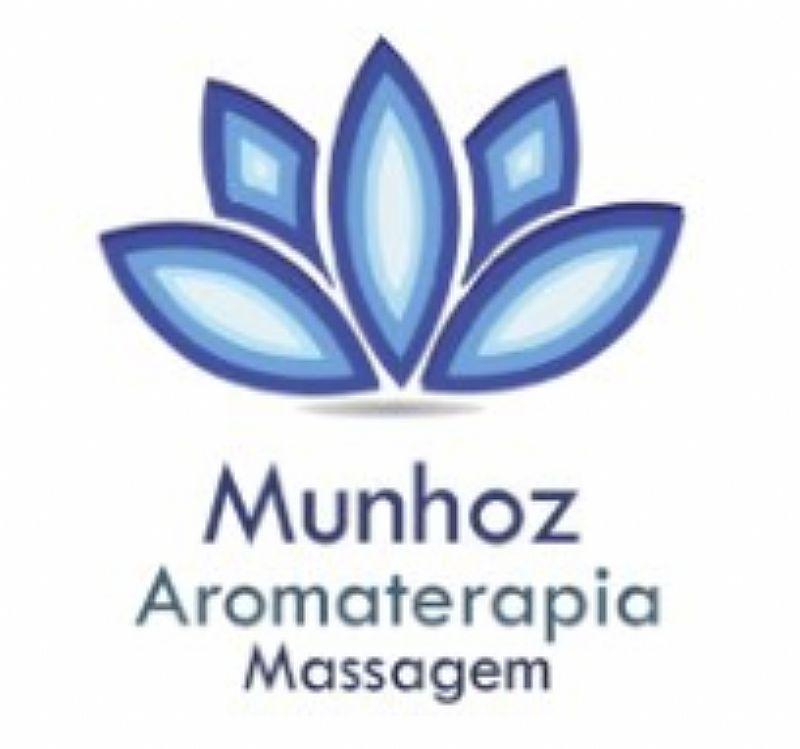 Massagem com oleos essenciais aromaterapia