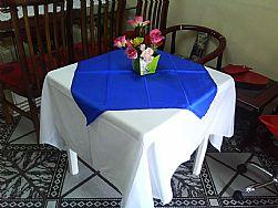 Aluguel de Brinquedos e Mesas com cadeiras,toalhas sp.